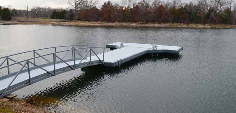Plastic dock design using rotational molding