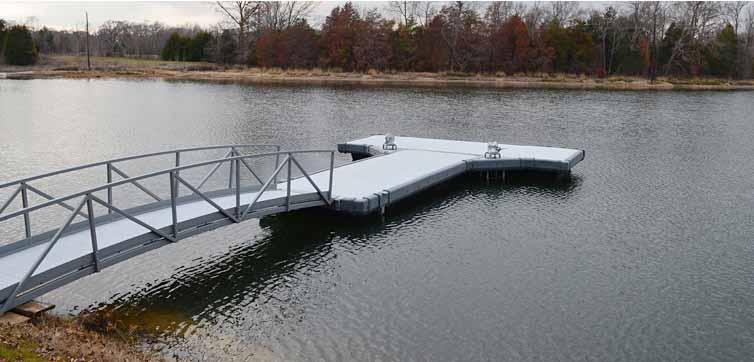 Plastic dock design using rotational molding