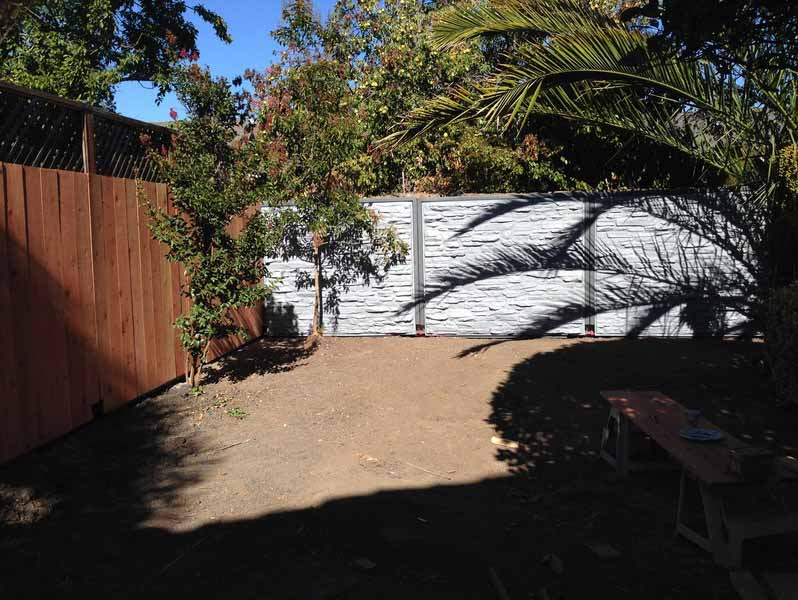 Plastic fence design that captures run-off rain produced with rotomolding